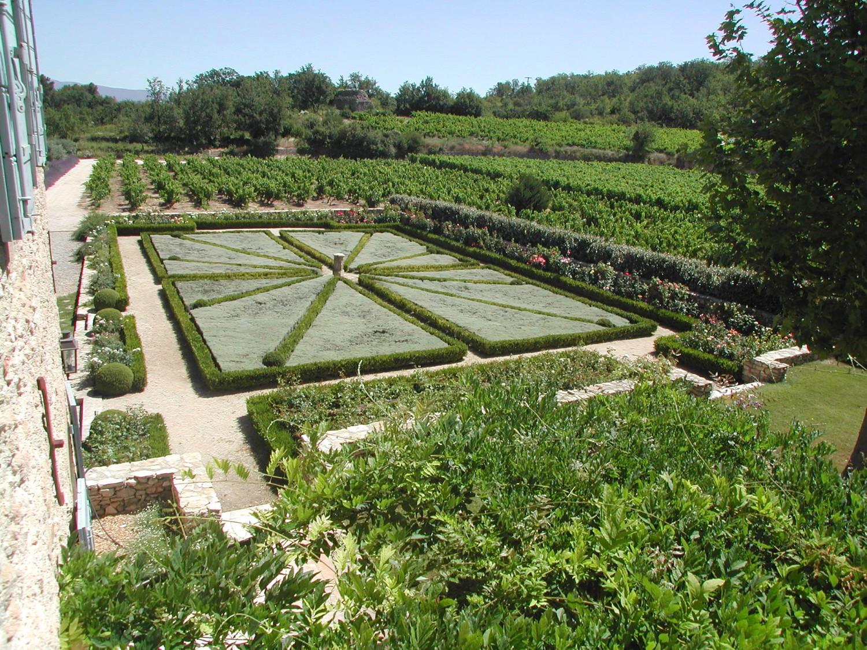 Jardins paysager plantations et massifs fleuris a for Plantations jardin