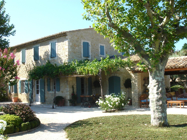 Maisons neuves un mas proven al en pierre a nelson architecte paysagist - Interieur mas provencal ...