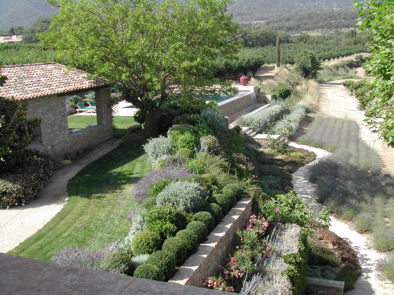 jardins paysager plantations et massifs fleuris a nelson architecte paysagiste en provence. Black Bedroom Furniture Sets. Home Design Ideas